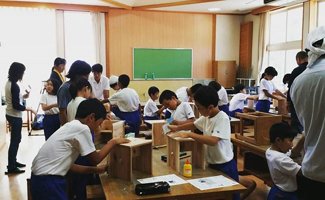 木育授業 in相生小学校 高学年編木頭杉の椅子づくり